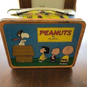Vintage THERMOS PEANUTS Shultz Metal Lunchbox
